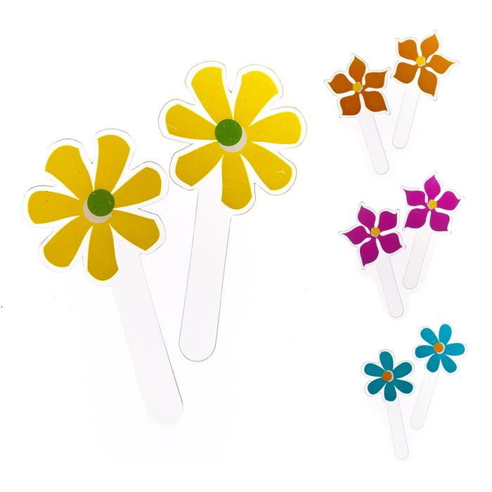 """Набор Home Queen """"Весенние цветы"""" состоит из 12 топперов 4-х видов. Топперы выполнены из высококачественного ПВХ в виде цветов и предназначены для украшения куличей, кексов или любой другой выпечки. Такой набор украшений для выпечки создаст атмосферу праздника в вашем доме.  Нельзя использовать в микроволновой печи и духовом шкафу."""