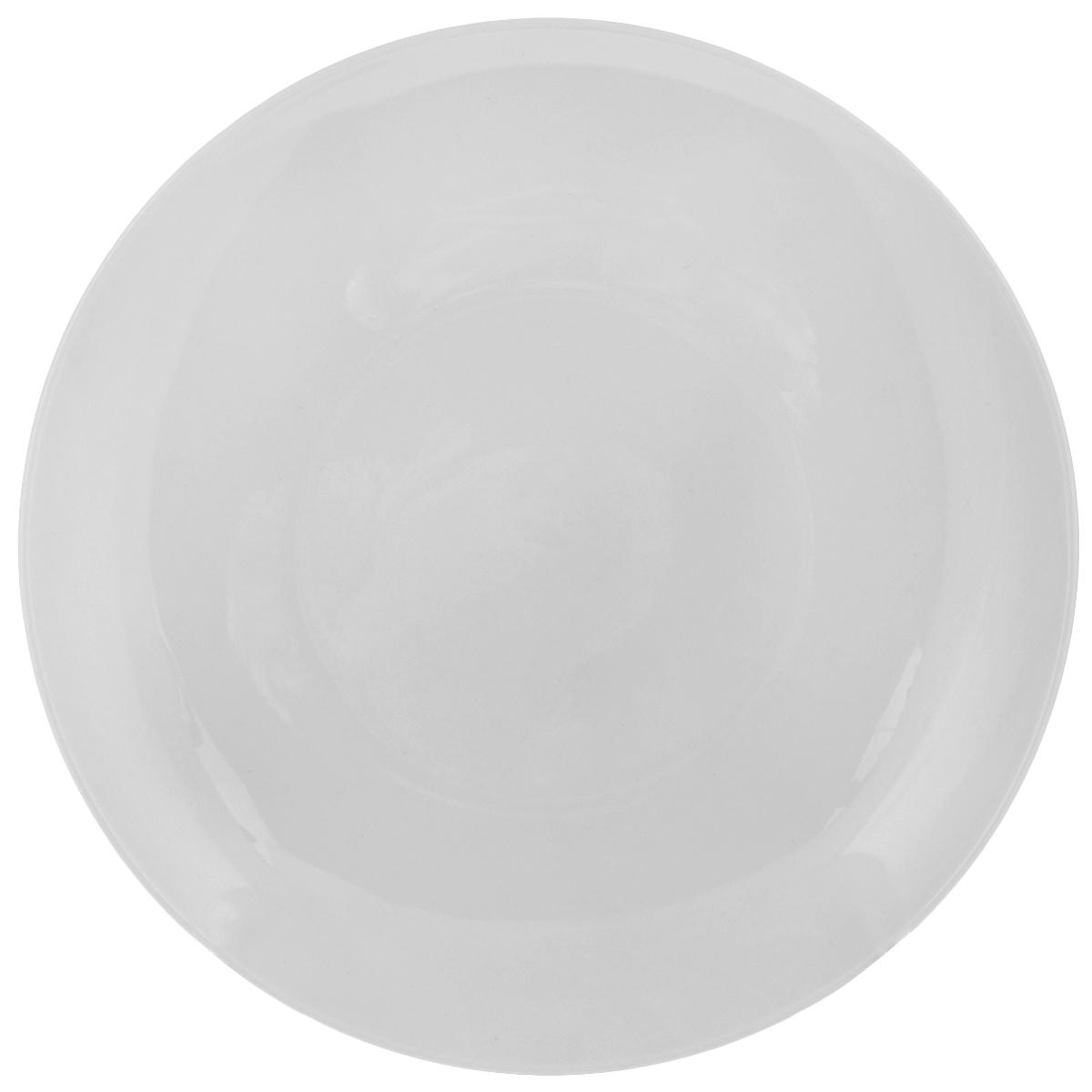 """Тарелка Tescoma """"Crema"""" выполнена из высококачественного фарфора однотонного цвета и прекрасно подойдет для вашей кухни. Такая тарелка изысканно украсит сервировку как обеденного, так и праздничного стола. Предназначена для подачи десертов.  Пригодна для использования в микроволновой печи. Можно мыть в посудомоечной машине. Диаметр: 19,5 см. Высота тарелки: 2,5 см."""