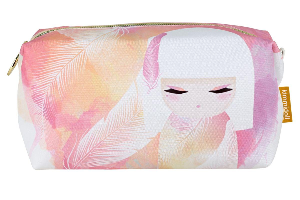 Косметичка Kimmidoll Мизуйо (Очарование)Искусственная кожаКосметичка Kimmidoll Мизуйо (Очарование), выполненная из текстиля в традиционном японском стиле, придется по душе всем ценителям стильных вещиц. Изделие оформлено изображением Мизуйо и перьев и содержит одно отделение, закрывающееся на застежку-молнию. Бегунок оформлен металлической пластиной с гравировкой Kimmidoll Collection. Косметичка отлично подойдет для хранения косметики и всех необходимых вещей. Ее можно использовать как пенал или дорожную аптечку.Привет, меня зовут Мизуйо! Я талисман очарования. Мой дух воодушевляет и радует. Ваша милая и обворожительная натура всегда согревает сердца и поднимает настроение, даря счастье и любовь вашим близким. Позвольте всем, кто знает вас, дорожить вашими редкими и прекрасными талантами.