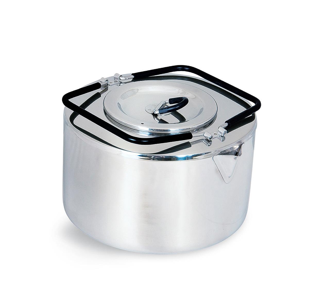 Чайник походный Tatonka Teapot, 2,5 л4011.000Чайник Tatonka Teapot из нержавеющей стали с термоизолированными ручками и компактным дизайном. Замечательно подходит для использования дома и на выезде. В комплекте ситечко из нержавеющей стали.Преимущества и особенности:Высококачественная нержавеющая сталь.Складные термоизолированные ручки.Крышка со складной термоизолированной ручкой.Компактный дизайн.Ситечко из нержавеющей стали.Диаметр чайника: 18 см.Высота чайника: 10 см.