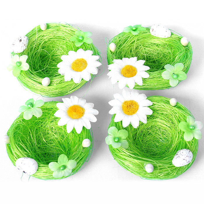 Набор декоративных подставок под яйцо Home Queen Гнездышко, цвет: зеленый, 4 шт60859Набор Home Queen Гнездышко состоит из четырех декоративных подставок под яйцо. Декоративные подставки изготовлены из сизаля, декорированы цветочками и яйцами. Идеальный вариант для Пасхи. Такая подставка красиво оформит праздничный стол и создаст особое настроение. Размер подставки: 7 см х 7 см х 2 см.