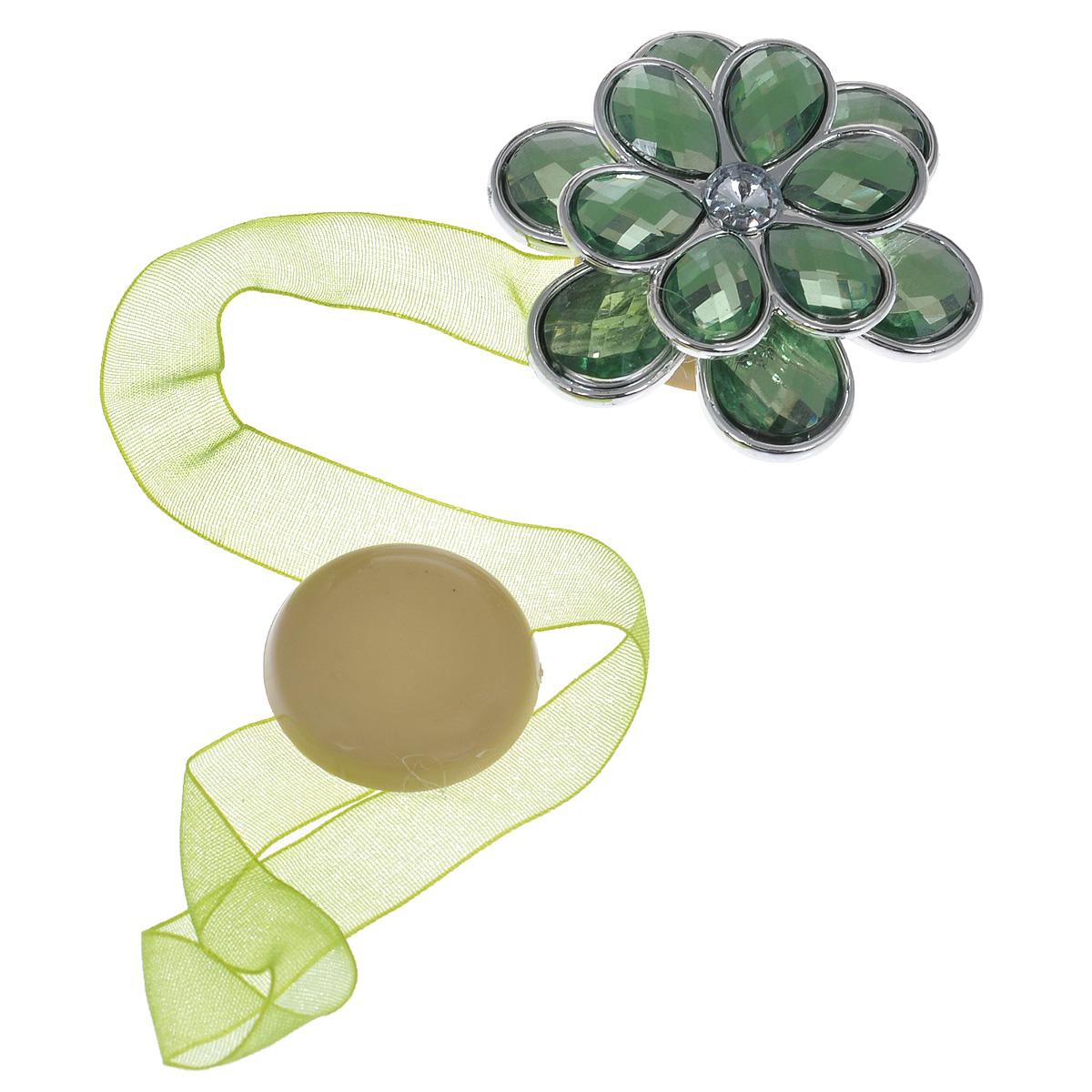 Клипса-магнит для штор Calamita Fiore, цвет: светло-зеленый. 7704021_8447704021_844Клипса-магнит Calamita Fiore, изготовленная из пластика и текстиля, предназначена для придания формы шторам. Изделие представляет собой два магнита, расположенных на разных концах текстильной ленты. Один из магнитов оформлен декоративным цветком. С помощью такой магнитной клипсы можно зафиксировать портьеры, придать им требуемое положение, сделать складки симметричными или приблизить портьеры, скрепить их. Клипсы для штор являются универсальным изделием, которое превосходно подойдет как для штор в детской комнате, так и для штор в гостиной. Следует отметить, что клипсы для штор выполняют не только практическую функцию, но также являются одной из основных деталей декора этого изделия, которая придает шторам восхитительный, стильный внешний вид.Диаметр декоративного цветка: 5 см.Диаметр магнита: 2,5 см.Длина ленты: 25 см.