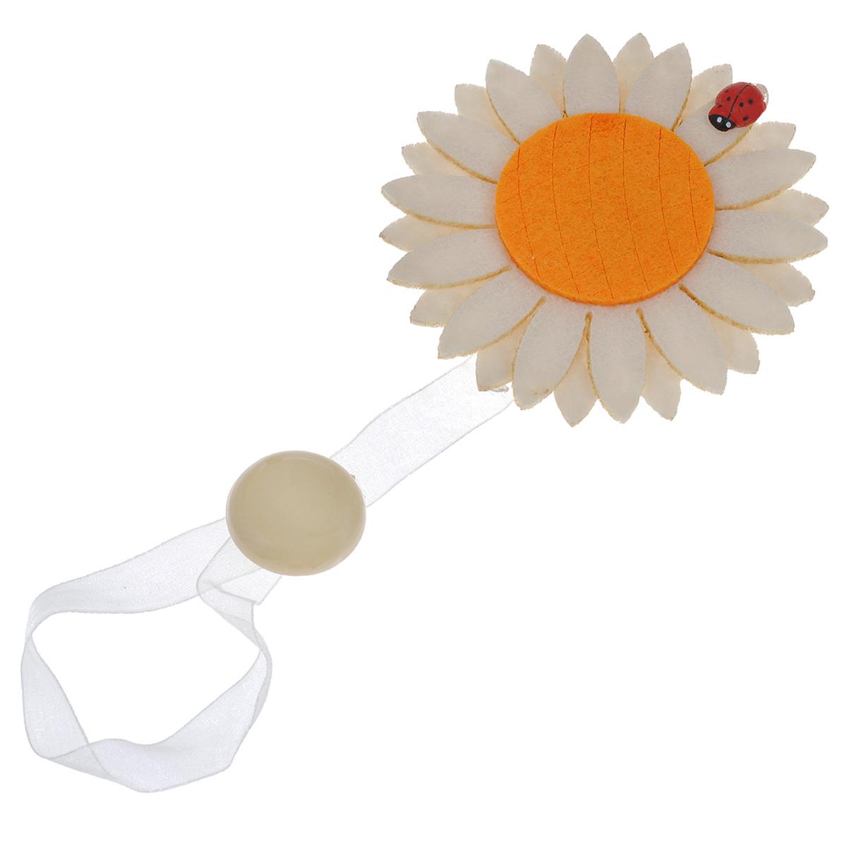 Клипса-магнит для штор Calamita Fiore, цвет: светло-золотистый, оранжевый. 7704012_8637704012_863Клипса-магнит Calamita Fiore, изготовленная из пластика и текстиля, предназначена для придания формы шторам. Изделие представляет собой два магнита, расположенные на разных концах текстильной ленты. Один из магнитов оформлен декоративным цветком. С помощью такой магнитной клипсы можно зафиксировать портьеры, придать им требуемое положение, сделать складки симметричными или приблизить портьеры, скрепить их. Клипсы для штор являются универсальным изделием, которое превосходно подойдет как для штор в детской комнате, так и для штор в гостиной. Следует отметить, что клипсы для штор выполняют не только практическую функцию, но также являются одной из основных деталей декора этого изделия, которая придает шторам восхитительный, стильный внешний вид.Диаметр декоративного цветка: 9 см.Диаметр магнита: 2,5 см.Длина ленты: 28 см.