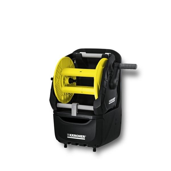 Катушка для шланга Karcher HR 7.300 Premium 2.645-163.02.645-163.0В комплект катушки Karcher HR 7.300 Premium входит настенный бокс для аксессуаров, барабан для шлангов, компактный набор для полива, съемный барабан для шлангов для переносного и стационарного использования (2 в 1).Особенности:Компактная оросительная станция.Удобное хранение разнообразных садовых принадлежностей.В смонтированном состоянии.Возможность мобильного и стационарного применения (2 в 1).С держателями для принадлежностей и вместительным ящиком.Держатель для распылителя с удлиняющей трубкой.Угловой штуцер предотвращает перекручивание и перегиб шланга.Рукоятка свободного хода.Возможность переоснащения для левшей.