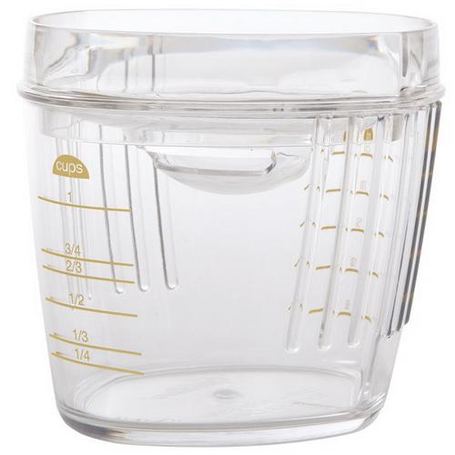 Отделитель белков от желтков WiltonWLT-2103-391Отделитель белков от желтков Wilton изготовлен из высококачественного пищевого пластика. Внешние стенки оснащены мерной шкалой в миллилитрах и чашах. Прибор очень легко использовать, просто разбейте яйцо, и крышка со специальной выемкой и двумя желобками задержит желток. Отделитель вмещает до 10 белков. Незаменимый прибор для приготовления омлета или безе.