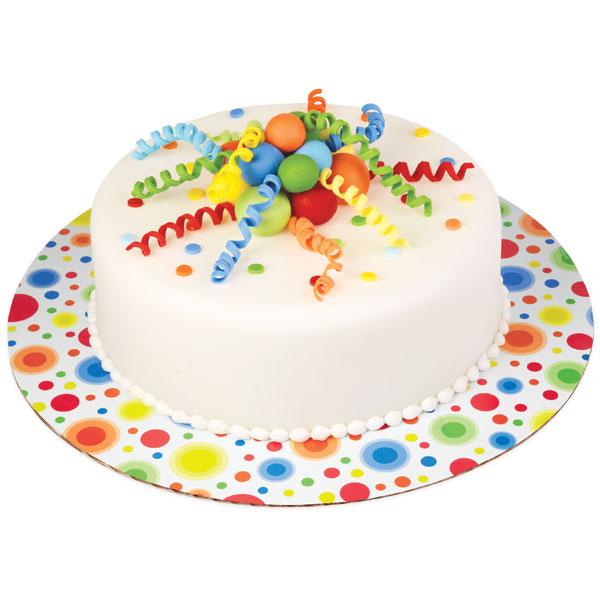 Основа для торта Wilton Яркие кружки, диаметр 30,5 см, 3 штWLT-2104-0359Основа Wilton Яркие кружки выполнена из гофрированного картона с жиронепроницаемым покрытием и оформлена разноцветными кружками. Используется для сервировки тортов, пицц, небольших праздничных угощений, закусок и т.п. Диаметр: 30,5 см. Толщина: 3 мм.