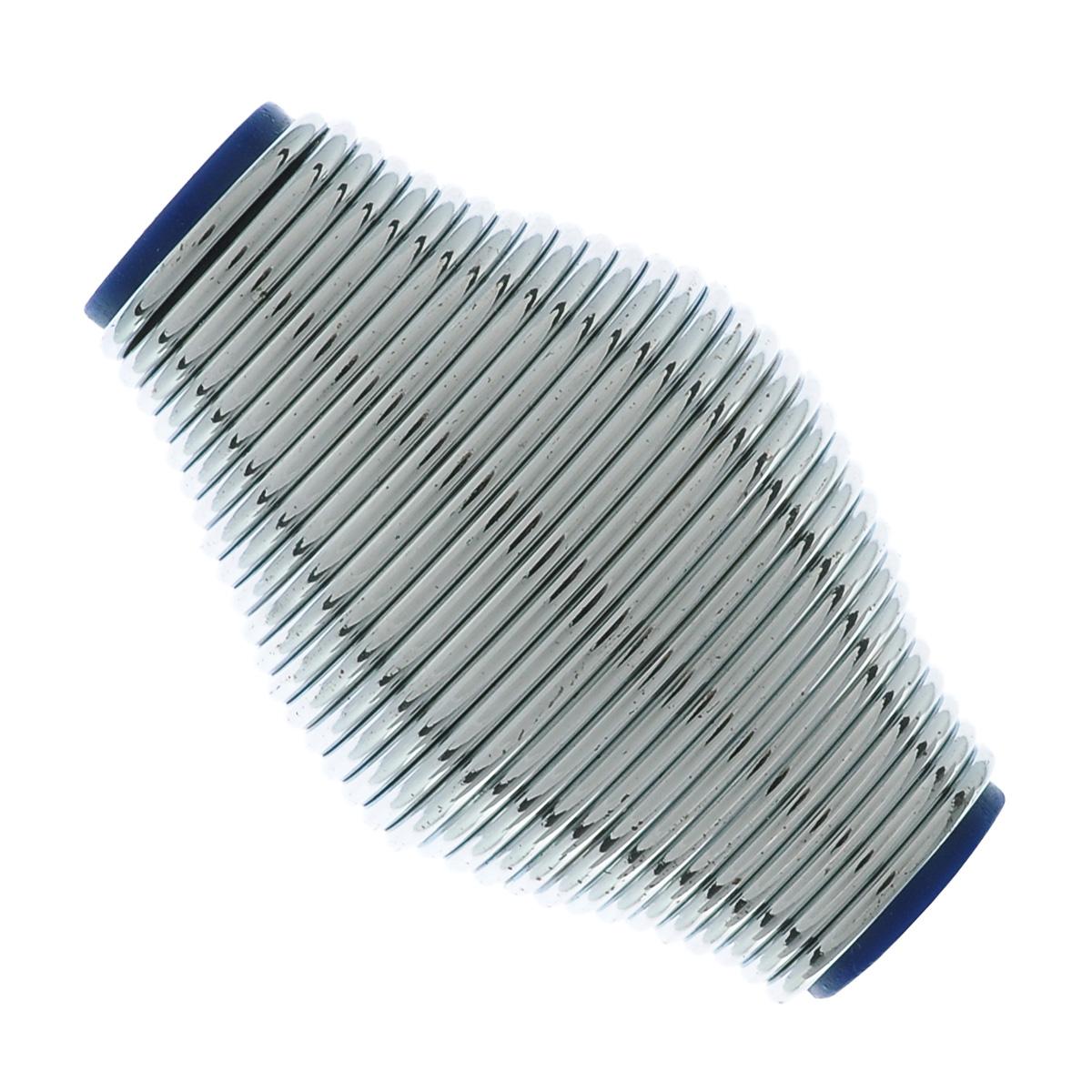 Эспандер кистевой Lite Weights, цвет: серебристыйRJ0207AКистевой эспандер Lite Weights, выполненный из стали и ПВХ в виде пружины, предназначен для тренировки и укрепления кистевых мышц и запястий. Эспандеры - небольшие спортивные снаряды, с помощью которых можно развивать разные группы мышц. Их главное преимущество перед всем спортивным инвентарем - это компактность. Принцип занятий с эспандером заключается в применении силы против его эластичности или упругости. Кистевой эспандер улучшает кровообращение, способствует развитию и укреплению суставов и сухожилий в области кистей рук. Эспандер компактен и удобен в хранении. Его можно использовать в любом месте, в любое время. Необычный дизайн и форма эспандера сделают ваши тренировки еще более приятными. Размер эспандера: 8,5 см х 5 см х 5 см.