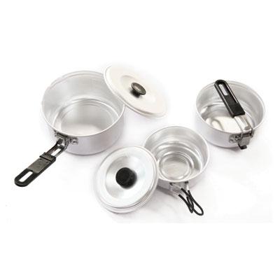 Набор походной посуды KingCamp Backpacker 1, 5 предметовУТ-00002422Набор походной посуды Backpacker 1 включает в себя две кастрюли, ковш со складными ручками и две крышки. Набор идеально подойдет для приготовления пищи во время похода. Предметы изготовлены из алюминия. Посуда легкая и компактно складывается, поэтому не займет в походном рюкзаке много места. Для удобства хранения и транспортировки набор комплектуется чехлом.Размер большой кастрюли: 13 см х 13 см х 7 см.Размер малой кастрюли: 11 см х 11 см х 5 см.Размер ковша: 9 см х 9 см х 4 см.