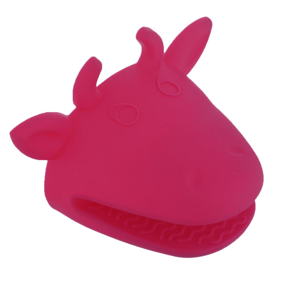Прихватка Marmiton Корова, силиконовая, цвет: розовый16076Силиконовая прихватка Marmiton Корова, выполненная в виде забавной коровы, позволяет защитить ладонь и пальцы от нежелательного воздействия высоких температур. Ребристая поверхность предотвращает скольжение. Размер: 15 см x 10 см x 11 см.