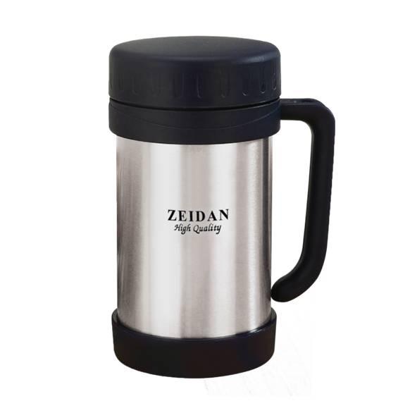 Термокружка Zeidan, с крышкой, 500 млZ-9034Термокружка Zeidan выполнена из высококачественной стали и пищевого пластика с двойными стенками, которые защищают руки от высоких температур и позволяют дольше сохранять тепло напитка. Изделие оснащено закручивающейся пластиковой крышкой. Такая термокружка порадует каждого, кто ее увидит, и великолепно украсит кухонный интерьер. Можно мыть в посудомоечной машине. Диаметр по верхнему краю: 7,5 см. Высота кружки (без учета крышки): 16 см.