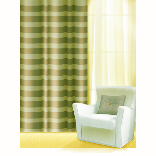 Штора Home Queen Нуар, на петлях, цвет: зеленый, высота 275 см65001Изящная штора Home Queen Нуар выполнена из полиэстера. Полупрозрачная ткань, приятная цветовая гамма, принт в полоску привлекут к себе внимание и органично впишутся в интерьер помещения. Такая штора идеально подходит для солнечных комнат. Мягко рассеивая прямые лучи, она хорошо пропускает дневной свет и защищает от посторонних глаз. Отличное решение для многослойного оформления окон. Эта штора будет долгое время радовать вас и вашу семью!Штора крепится на карниз при помощи петель.