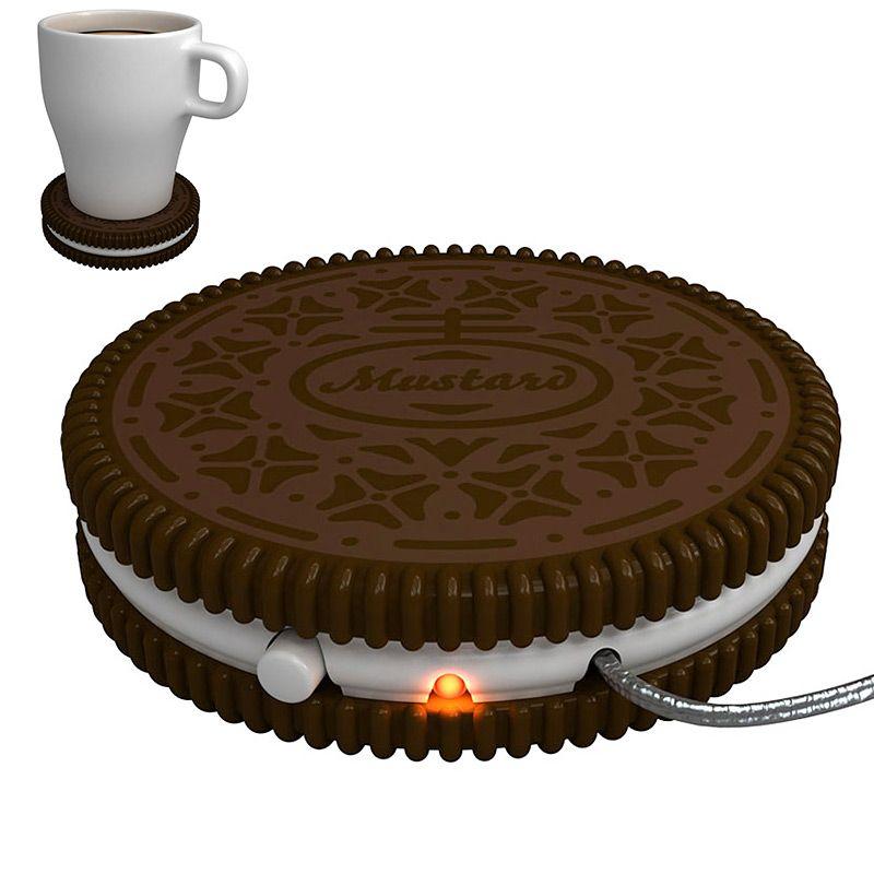 USB-подогреватель напитков Mustard Hot CookieNG1702USB-подогреватель напитков Mustard Hot Cookie выполнен из пластика в виде печеньки. С помощью USB-провода подогреватель можно подключить к любому электронному прибору. Просто поставьте на него кружку, и ваш напиток всегда будет оставаться теплым (до 60°С), а значит настроение - хорошим и рабочим. Такому подарку будут рады очень многие, особенно любители посидеть за компьютером, забывающие при этом обо всем на свете. Порой нальет человек чай и не заметит, что он уже остыл. USB-подогреватель для кружки прекрасно решит эту проблему.