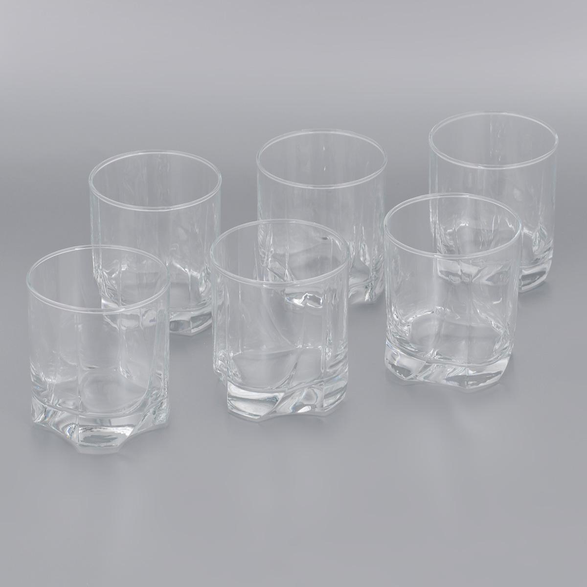 Набор стаканов для виски Pasabahce Luna, 368 мл, 6 шт42348BНабор Pasabahce Luna состоит из шести стаканов, выполненных из прочного натрий-кальций-силикатного стекла. Изделия оснащены многогранной рельефной поверхностью и утолщенным дном. Набор предназначен для подачи виски. Стаканы сочетают в себе элегантный дизайн и функциональность. Благодаря такому набору пить напитки будет еще вкуснее.Набор стаканов Pasabahce Luna прекрасно оформит праздничный стол и создаст приятную атмосферу за романтическим ужином. Такой набор также станет хорошим подарком к любому случаю. Можно мыть в посудомоечной машине и использовать в микроволновой печи. Диаметр стакана по верхнему краю: 8 см.Высота стакана: 9,5 см.
