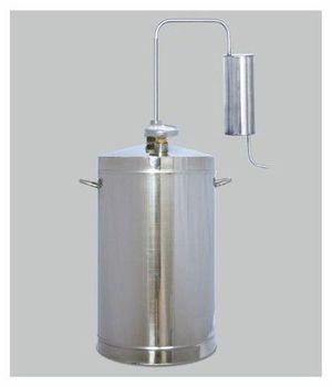 Первач Эконом 20 домашний дистиллятор, 20 лД Дачно-Деревенский 20Дистиллятор Первач Эконом 20 выполнен из высококачественной пищевой нержавеющей стали 08Х18Н10Т и имеет неограниченный срок службы. Это прекрасный подарок настоящим ценителям качественных напитков. Данная модель абсолютно безопасна, так как оборудована клапаном сброса избыточного давления. Первач Эконом 20 компактен, прост в применении.Проточное охлаждение.