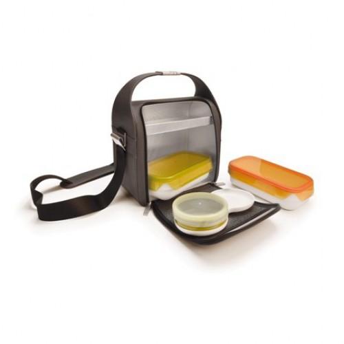 """Термоланчбокс Iris Barcelona """"Dome"""" -  компактный, но достаточно вместительный ланчбокс, который позволит ежедневно брать с собой домашнюю еду самым элегантным и простым способом. Высокое качество материалов премиум-класса. Твердые стенки, дополнительное пространство для столовых приборов, десертов и напитков, два 100% герметичных пищевых контейнера: 0,6 л. и 0,8 л., подходящих для морозильной камеры, микроволновой печи и посудомоечной машины. Прилагается плечевой ремень с регулируемой длиной."""