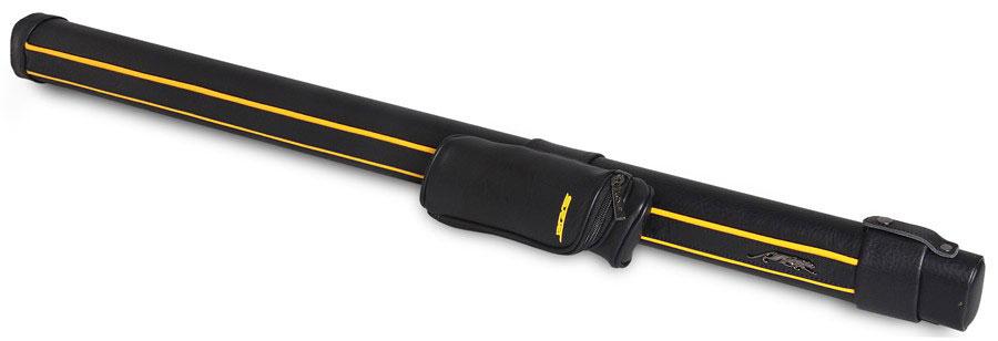 Тубус для киев Predator Sport Velcro, цвет: черный, желтый, 88 см05100Тубус Fortuna Blak Velcro предназначен для хранения и переноски одного разборного кия и защищает его от внешнего воздействия, что позволяет сохранить ваш кий в идеальном состоянии. В конструкции тубуса предусмотрен перемещаемый съемный карман для мелких аксессуаров (мелки, перчатка, инструменты). Оснащен надежным ремнем для переноски.Длина отделения для кия: 88 см; Длина кармана: 19 см; Форма конструкции: CA.