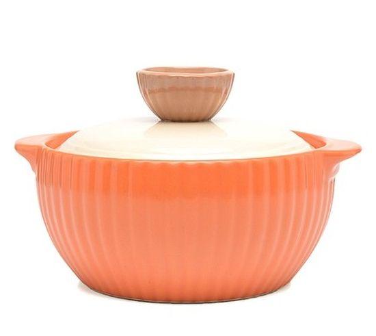 Кастрюля керамическая Frybest Mystic valley с крышкой, цвет: оранжевый, 1 лNM-C16Кастрюля Frybest Mystic valley изготовлена из экологически чистой жаропрочной керамики. Идеальна для приготовления блюд, требующих длительного томления. Благодаря инновационному покрытию Ecolon пища не пригорает и не прилипает. Дизайн кастрюли разработан так, чтобы теплообмен внутри нее был максимально эффективным. Устойчивое к царапинам жаропрочное керамическое покрытие дополняет антибактериальный слой. Керамическая крышка кастрюли оснащена отверстием для выпуска пара.Кастрюля оснащена двумя небольшими ручками для удобного хвата.Кастрюля Frybest Mystic valley прекрасно подойдет для запекания и тушения овощей, мяса и других блюд, а оригинальный дизайн и яркое оформление украсят ваш стол.Можно мыть в посудомоечной машине. Кастрюля предназначена для использования на газовой и электрической плитах, в духовке и микроволновой печи. Не подходит для индукционных плит.Высота стенки: 8 см.Ширина кастрюли (с учетом ручек): 20 см.Толщина дна: 1 см.Толщина стенки: 0,9 см.Высота кастрюли (с учетом крышки): 13 см.