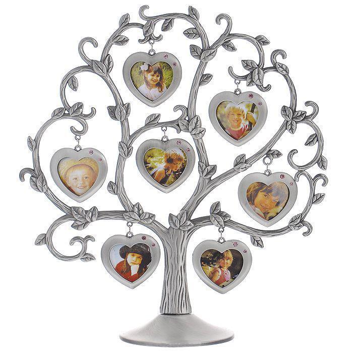Декоративная фоторамка Сердце, 4 х 4 см, на 7 фото. 46207702063184620770206318Декоративная фоторамка Сердце выполнена из металла серого цвета. На подставку в виде дерева подвешены 7 рамочек в форме сердца, украшенных стразами. Изысканная и эффектная, эта потрясающая рамочка покорит своей красотой и изумительным качеством исполнения. Декоративная фоторамка Сердце не только украсит интерьер помещения, но и внесет нотки изысканности и оригинальности. Характеристики:Материал: металл, стразы. Общий размер фоторамки: 25 см х 27 см. Диаметр основания: 9,5 см. Размер рамочки в форме сердца: 4,8 см х 4,5 см. Размер фотографии: 4 см х 4 см. Размер упаковки: 32,5 см х 35 см х 4 см. Артикул: 4620770206318.