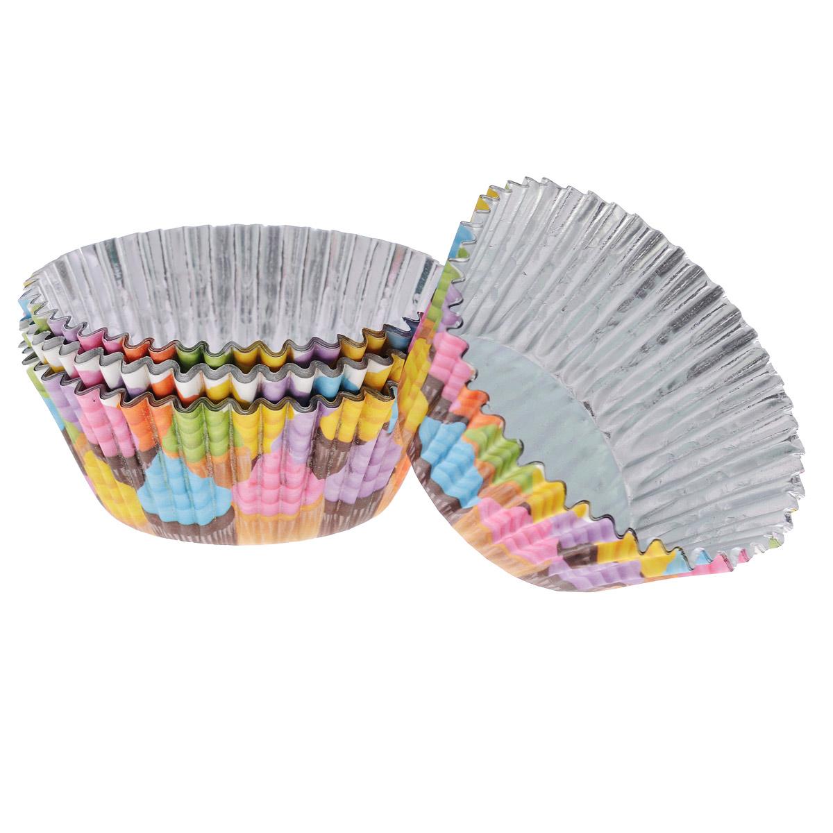 Набор бумажных форм для кексов Wilton Кексы, диаметр 7 см, 36 штWLT-415-2150Набор Wilton Кексы состоит из 36 бумажных форм для кексов. Они предназначены для выпечки и упаковки кондитерских изделий, также могут использоваться для сервировки орешков, конфет и др. Внутри формы оснащены специальным фольгированным вкладышем, благодаря которому изделия не требуют предварительной смазки маслом или жиром. Гофрированные бумажные формы идеальны для выпечки кексов, булочек и пирожных.Высота стенки: 3 см. Диаметр (по верхнему краю): 7 см.Диаметр дна: 5 см.