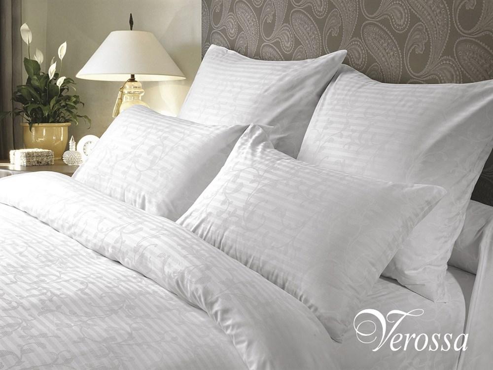 Комплект белья Verossa Кружевная сказка, семейный, навлочки 50х70, 70х70, цвет: белый143810Комплект постельного белья Verossa Кружевная сказка, выполненный из ткани страйп сатин (100% хлопок),состоит из двух пододеяльников, простыни и четырех наволочек. Белоснежное белье коллекции Verossa Stripe роскошное и одновременно простое, особенное и при этом - универсальное, как все истинно совершенное. Белый цвет безупречен. Его чистота и свежесть выглядит по-настоящему аристократично. Такое постельное белье подходит к любому интерьеру и придает ему изящество. Недаром белье из страйпа традиционно является визитной карточкой номеров люкс лучших отелей мира и с неизменным восторгом вспоминается путешественниками.Verossa Страйп - для тех, кто обладает безупречным чувством стиля и придерживается европейских стандартов жизни.Советы по выбору постельного белья от блогера Ирины Соковых. Статья OZON Гид