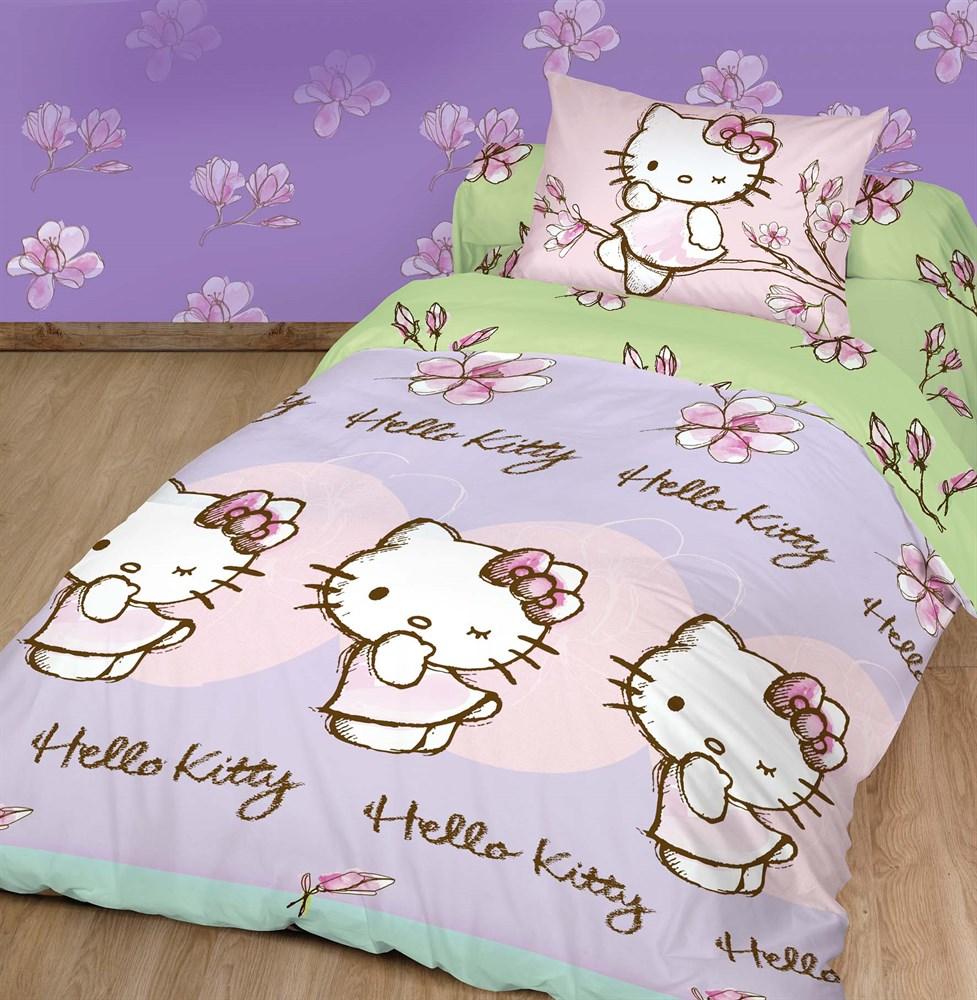 Комплект детского постельного белья Hello Kitty Магнолия, цвет: розовый, зеленый, 3 предмета. 180500180500Детский комплект постельного белья Hello Kitty Магнолия состоит из наволочки, пододеяльника и простыни. Такой комплект идеально подойдет для кровати вашего ребенка и обеспечит ему здоровый сон. Он изготовлен из ранфорса (100% хлопок), дарящего малышу непревзойденную мягкость. Натуральный материал не раздражает даже самую нежную и чувствительную кожу ребенка, обеспечивая ему наибольший комфорт. Приятный рисунок комплекта подарит вашему ребенку встречу с любимыми героями полюбившегося мультфильма и порадует яркостью и красочностью дизайна. Комплект постельного белья Hello Kitty Магнолия осуществит заветную мечту ребенка окунуться в волшебный мир сказок, а любимые персонажи создадут атмосферу уюта.