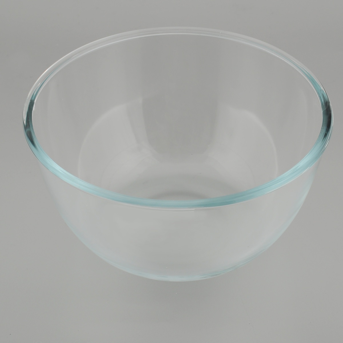 Форма для запекания Mijotex, круглая, диаметр 20 смMB14Глубокая круглая форма для запекания Mijotex изготовлена из жаропрочного стекла, которое выдерживает температуру до +450°С. Форма предназначена для приготовления горячих блюд. Материал изделия гигиеничен, прост в уходе и обладает высокой степенью прочности.Форма идеально подходит для использования в духовках, микроволновых печах, холодильниках и морозильных камерах. Также ее можно использовать на газовых плитах (на слабом огне) и на электроплитах. Можно мыть в посудомоечной машине. Диаметр формы: 20 см. Высота стенки формы: 10 см.