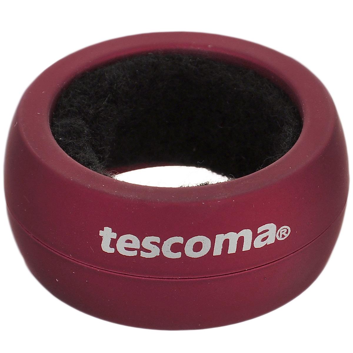 """Кольцо для капель Tescoma """"Uno Vino"""" изготовлено из высокопрочного пластика с прорезиненным покрытием. Такое кольцо препятствует нежелательному капанию вина. Просто наденьте его на горлышко, и ни одна капля не стечет на вашу скатерть."""