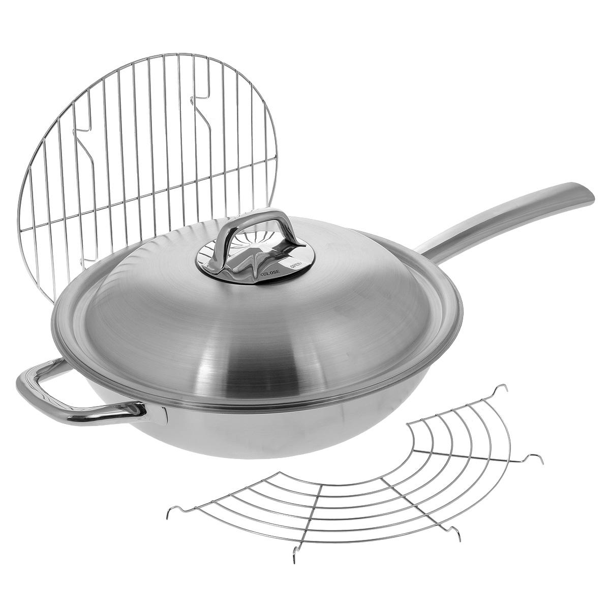 """Сковорода-вок Tescoma """"President"""", изготовленная из нержавеющей стали, отлично подходит для жарки, приготовления пищи на пару, блюд азиатской кухни. Благодаря трехслойной конструкции, температура внутри вока остается равномерной и постоянной. Вок имеет куполообразную крышку для оптимальной циркуляции пара и регулирования его выхода. Массивная и маленькая ручки изготовлены из высококачественной нержавеющей стали для комфортного и безопасного обращения. В набор также входят вместительная сетка для приготовления блюд на пару, полукруглая решетка-подставка и решеточка-подставка для хранения и приготовления блюд на пару.  Вок имеет матовую поверхность, а длинная ручка - зеркальную.В наборе - буклет с рецептами.Подходит для всех типов плит, в том числе для индукционных. Можно мыть в посудомоечной машине.Высота стенки вока: 9,5 см. Длина ручки: 22 см. Толщина стенки: 2 мм. Толщина дна: 3 мм. Диаметр по верхнему краю: 32 см.Размер сетки: 35 см х 35 см х 4 см.Размер полукруглой решетки-подставки: 34 см х 18 см х 1 см.Размер решетки для приготовления на пару: 27 см х 27 см х 3,5 см."""