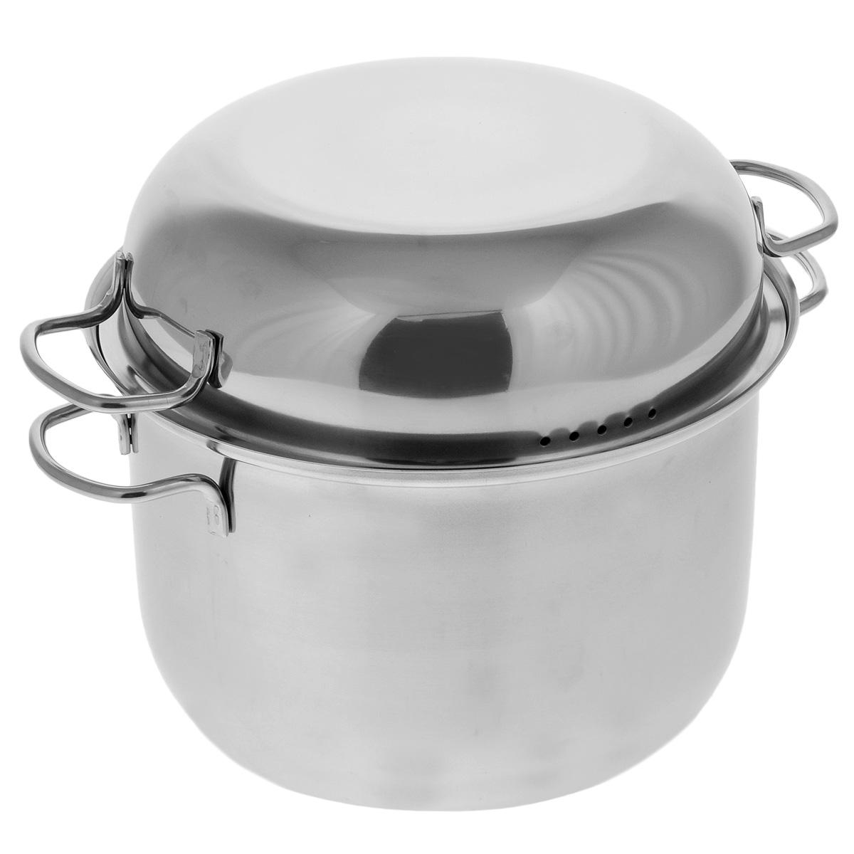 Мантоварка АМЕТ Классика с крышкой, 2 яруса, 5 л1с320Мантоварка АМЕТ Классика предназначена для приготовления диетических блюд на пару, в частности - мантов. Изделие гигиенично и безопасно для здоровья. Нержавеющая сталь обладает малой теплопроводностью, поэтому посуда из нее остывает гораздо медленнее, чем любой другой вид посуды, а значит, приготовленное в ней более длительное время остается горячим. Мантоварка укомплектована двумя решетками с ручками из нержавеющей стали на ножках и крышкой. Крышка плотно прилегает к краю мантоварки, сохраняя аромат блюд. Крышка оснащена двумя удобными ручками и отверстиями для выпуска пара. Подходит для газовых и электрических плит. Можно мыть в посудомоечной машине. Высота стенки: 15 см. Толщина стенки: 0,3 см. Толщина дна: 0,3 см. Ширина с учетом ручек: 30,5 см. Диаметр решетки: 20,5 см. Высота мантоварки (с учетом крышки): 21,5 см.