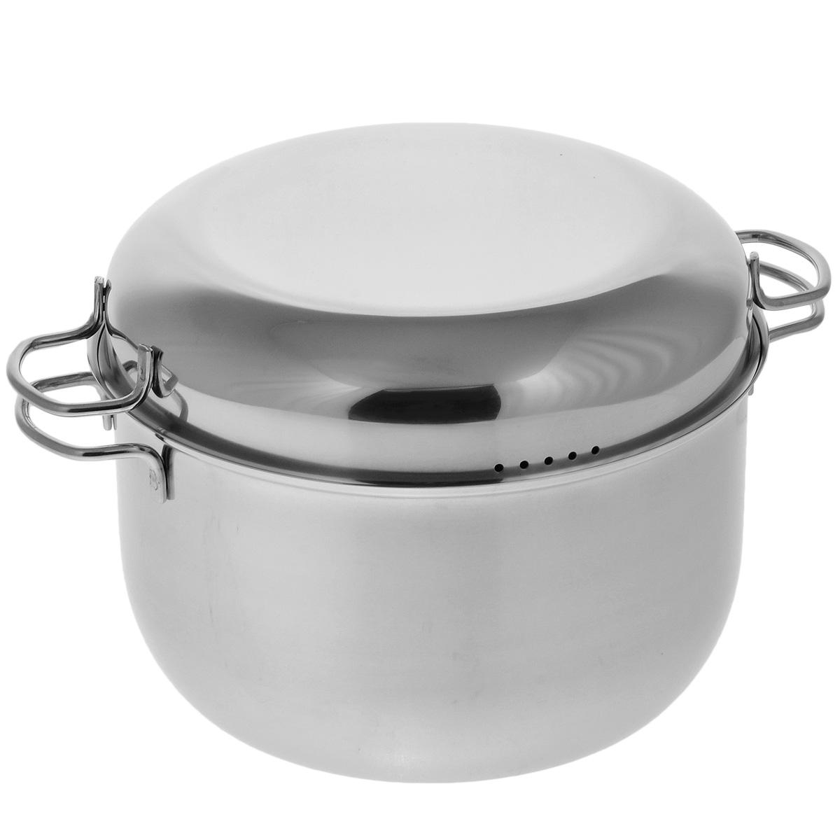 Мантоварка АМЕТ Классика с крышкой, 3 яруса, 7 л1с916Мантоварка АМЕТ Классика предназначена для приготовления диетических блюд на пару, в частности - мантов. Изделие гигиенично и безопасно для здоровья. Нержавеющая сталь обладает малой теплопроводностью, поэтому посуда из нее остывает гораздо медленнее, чем любой другой вид посуды, а значит, приготовленное в ней более длительное время остается горячим. Мантоварка укомплектована тремя решетками с ручками из нержавеющей стали на ножках и крышкой. Крышка плотно прилегает к краю мантоварки, сохраняя аромат блюд. Крышка оснащена двумя удобными ручками и отверстиями для выпуска пара. Подходит для газовых и электрических плит. Можно мыть в посудомоечной машине. Высота стенки: 15,5 см. Толщина стенки: 0,3 см. Толщина дна: 0,3 см. Ширина с учетом ручек: 34,5 см. Диаметр решетки: 25 см. Высота мантоварки (с учетом крышки): 21 см.