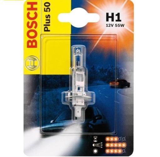 Лампа Bosch H1 Plus 50, 55Вт 19873010411987301041Новые лампы Bosch для галогенных фар освещают дорогу интенсивным белым светом, который очень близок по свойствам к дневному освещению.Благодаря этому глаза водителя не теряют фокусировки и меньше устают даже во время долгих поездок в темное время суток. Новые лампы отличаются высокой яркостью и могут давать до 50% больше света, чем стандартные галогенные фары. Лампы Bosch доступны в вариантах H1, H4 и H7. Серебряное покрытие ламп H4 и H7 делает их едва заметными за стеклами выключенных фар. Новые лампы выглядят наиболее эффектно в сочетании с фарами из прозрачного стекла и подчеркивают современный дизайн автомобилей. Увеличенная яркость и дальность освещения положительно сказывается на безопасности движения. В темное время суток или в сложных погодных условиях, таких как ливень или густой туман, водитель замечает опасную ситуацию намного раньше и на большем расстоянии, при этом лучше заметен и сам автомобиль с фарами Bosch. Напряжение: 12 вольт