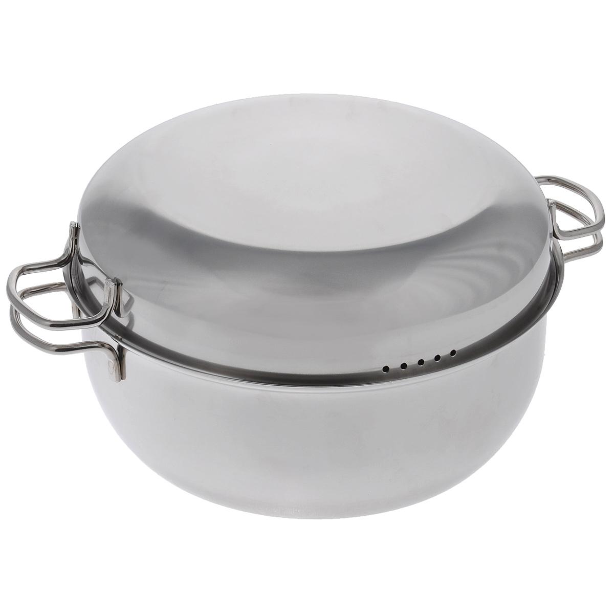 """Мантоварка """"АМЕТ"""" предназначена для приготовления диетических блюд на пару, в частности - мантов. Изделие гигиенично и безопасно для здоровья. Нержавеющая сталь обладает малой теплопроводностью, поэтому посуда из нее остывает гораздо медленнее, чем любой другой вид посуды, а значит, приготовленное в ней более длительное время остается горячим. Мантоварка имеет две решетки с ручками из нержавеющей стали, на ножках и крышку. Крышка плотно прилегает к краю мантоварки, сохраняя аромат блюд. Крышка оснащена двумя удобными ручками и отверстиями для выпуска пара. Подходит для газовых и электрических плит. Можно мыть в посудомоечной машине. Высота стенки: 11,5 см. Толщина стенки: 0,2 см. Толщина дна: 0,3 см. Ширина мантоварки (с учетом ручек): 35 см. Диаметр решетки: 25 см. Высота решетки (с учетом ножек и ручки): 9,5 см.Высота мантоварки (с учетом крышки): 16 см."""