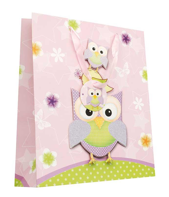 Пакет подарочный Сиреневые совы, 26 см х 10 см х 32 см1406-SB Пакет Сиреневые совыДизайнерский подарочный пакет Сиреневые совы выполнен из плотной бумаги и оформлен ярким красочным рисунком и аппликацией. Дно изделия укреплено плотным картоном, который позволяет сохранить форму пакета и исключает возможность деформации дна под тяжестью подарка. Для удобной переноски на пакете имеются две атласные ручки.Подарок, преподнесенный в оригинальной упаковке, всегда будет самым эффектным и запоминающимся. Окружите близких людей вниманием и заботой, вручив презент в нарядном, праздничном оформлении.