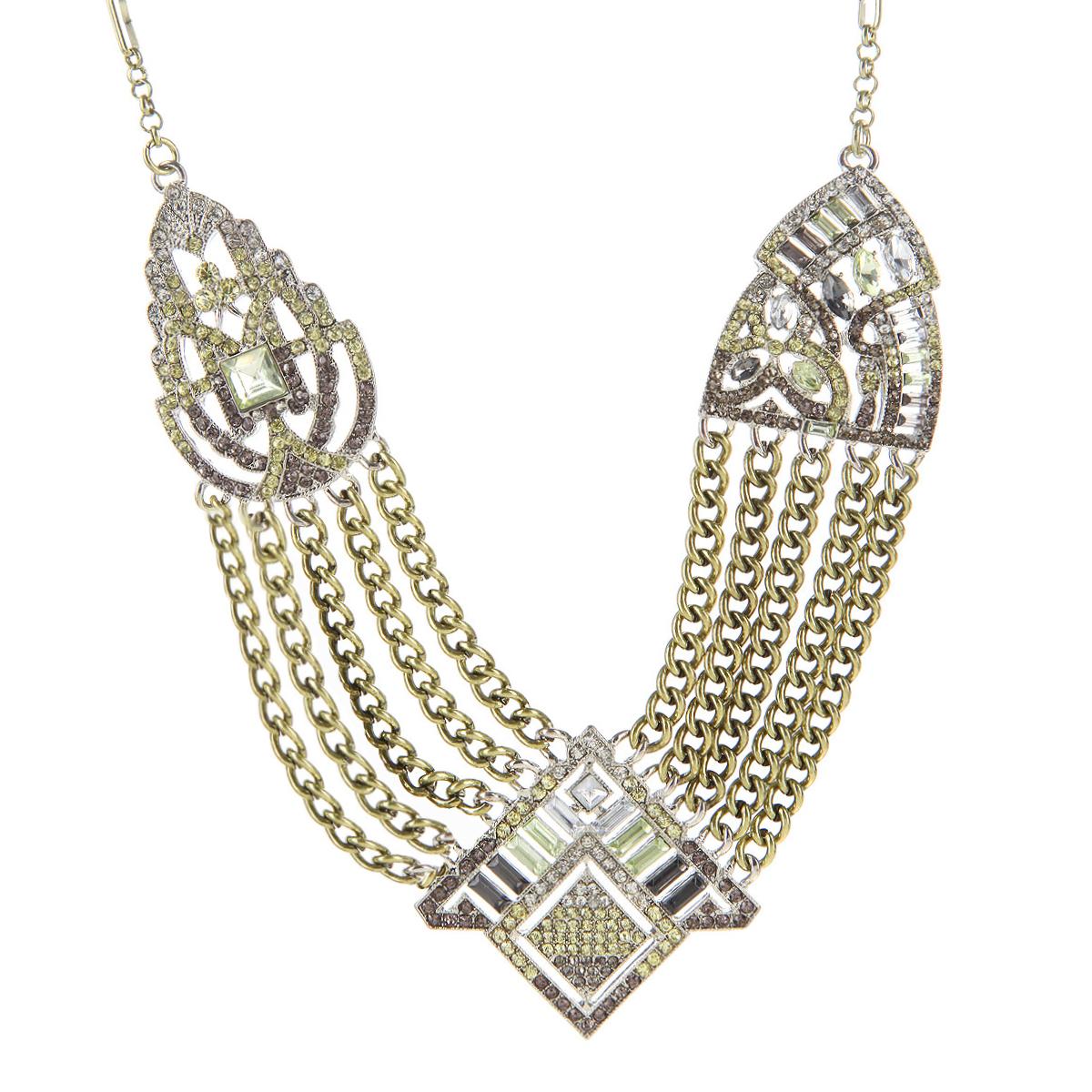 Колье Milana Style, цвет: бронза. 00873xl39890|Колье (короткие одноярусные бусы)Стильное колье выполнено из бижутерного сплава. Колье состоит из металлических цепочек, в центре которых массивная треугольная подвеска, декорированная стразами и искусственным камнем. По бокам от центра отходят пять крупных цепочек и соединяются с декоративными элементами в виде листков, так же украшенных стразами и камнями. Застежка - карабин. Длина регулируется.Материал: бижутерный сплав, пластик, искусственные камни. Красивое и элегантное украшение блестяще подчеркнет изящество, женственность и красоту своей обладательницы и придаст особенное очарование и стиль.