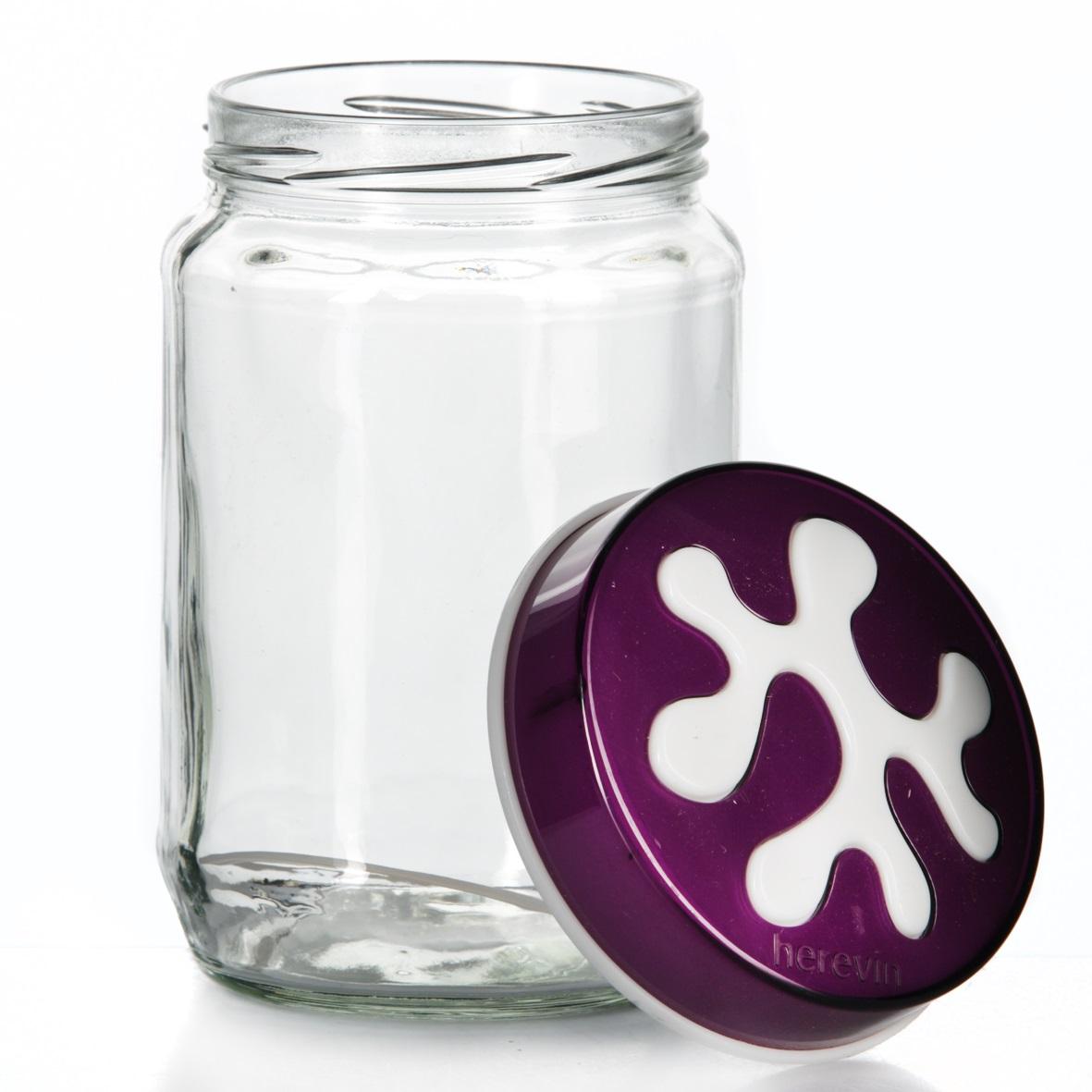 Банка для сыпучих продуктов Herevin, цвет: фиолетовый, 720 мл. 135367-003135367-003Банка для сыпучих продуктов Herevin изготовлена из прочного стекла и оснащена плотно закрывающейся пластиковой крышкой. Благодаря этому внутри сохраняется герметичность, и продукты дольше остаются свежими. Изделие предназначено для хранения различных сыпучих продуктов: круп, чая, сахара, орехов и т.д. Функциональная и вместительная, такая банка станет незаменимым аксессуаром на любой кухне. Можно мыть в посудомоечной машине. Пластиковые части рекомендуется мыть вручную.Объем: 720 мл.Диаметр (по верхнему краю): 7,5 см.Высота банки (без учета крышки): 14 см.