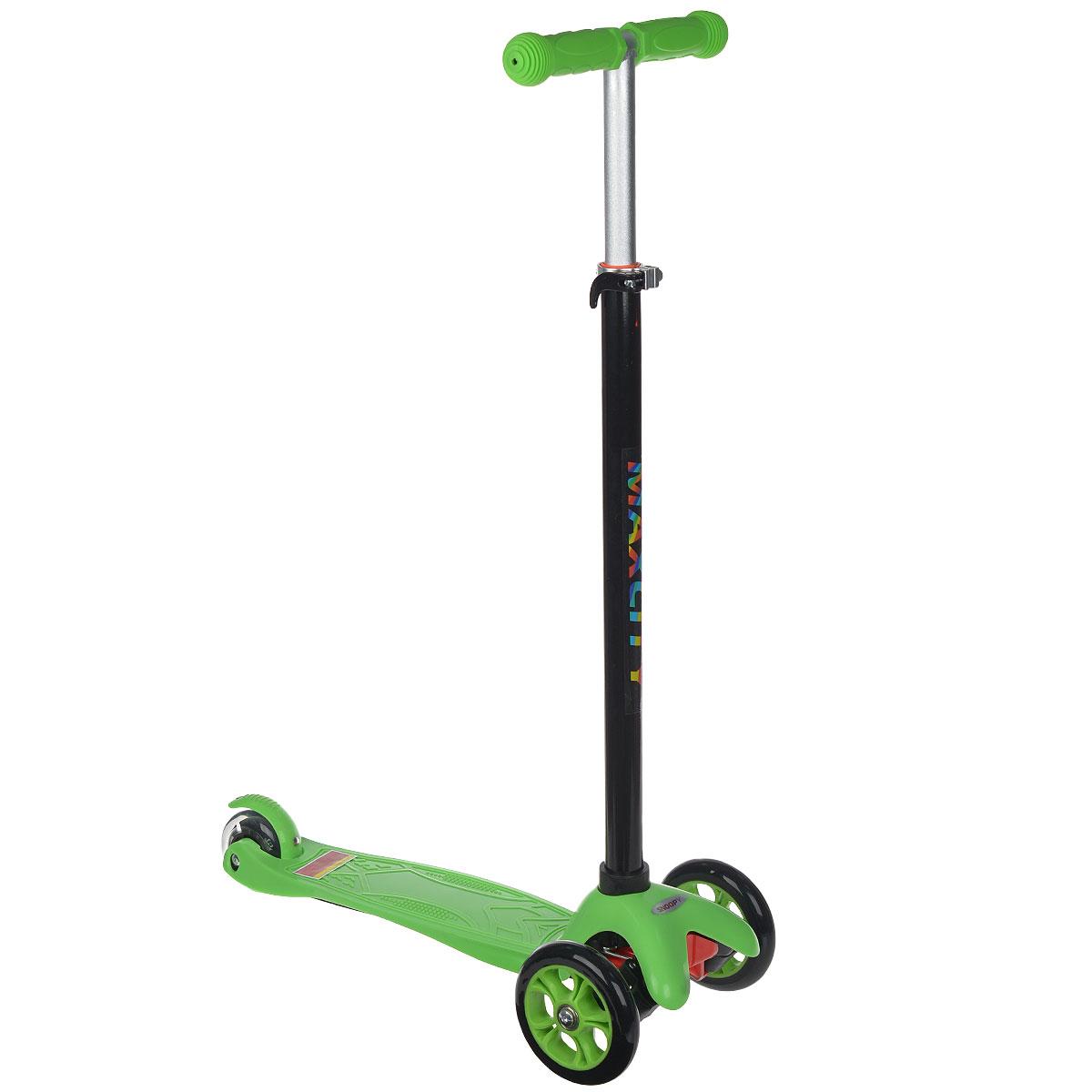 Самокат трехколесный MaxCity Snoopy, цвет: зеленыйУТ-00011Самокат MaxCity Snoopy предназначается для самых маленьких. Детки в возрасте от трех до пяти лет придут в неописуемый восторг от подобного подарка! Самокат изготовлен из сверхпрочных современных материалов. Поэтому он легко выдерживает вес 30 кг! Вы можете полностью быть уверены в безопасности вашего малыша. У самоката имеется три колеса, поэтому он обладает отличной устойчивостью! Оснащен пяточным тормозом. Заднее колесо светится при езде.Процесс обучения езде на самокате обладает прекрасным плюсом. Чтобы научиться кататься, ребенку не требуется тренер, который должен на первых порах все время находиться рядом, как было бы при обучении катанию на велосипеде. Это легко объясняется конструкцией данной модели самоката. Ваш малыш сможет быстро освоить, как нужно кататься. Он ни разу при этом не упадет! Детский транспорт способен приносить ребенку лишь радость.
