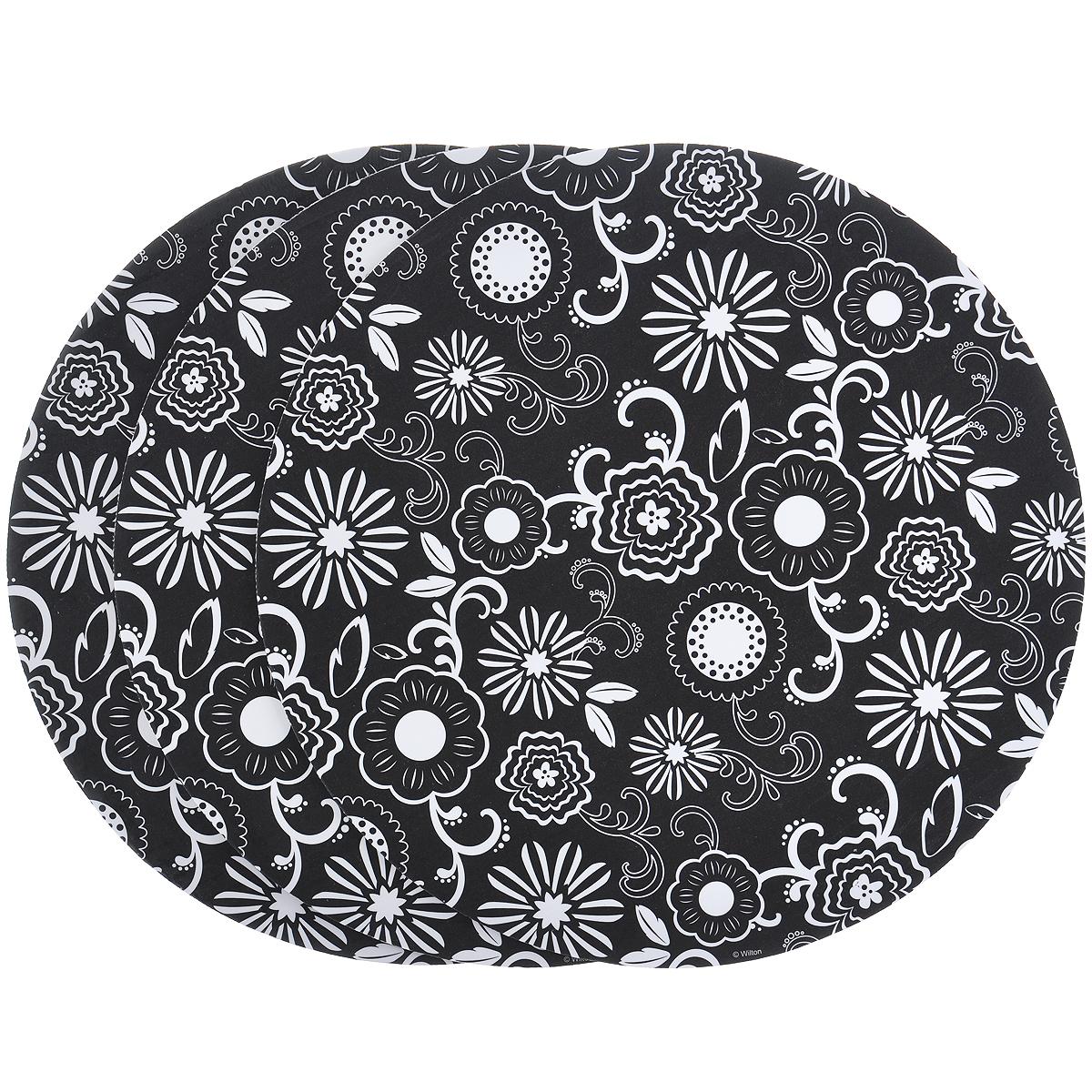 Основа для торта Wilton Белые цветы, диаметр 30,5 см, 3 штWLT-2104-0398Основа Wilton Белые цветы выполнена из гофрированного картона с жиронепроницаемым покрытием и оформлена белыми цветами. Предназначена для сервировки тортов, пицц, небольших праздничных угощений, закусок и т.п. Диаметр: 30,5 см. Толщина: 3 мм.