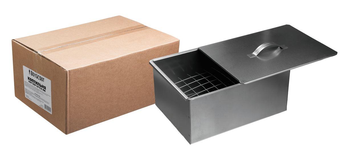 Удобная коптильня из высококачественной углеродистой стали для копчения  на открытом огне. Имеет  два решетчатых яруса, увеличивающих рабочую  поверхность и сдвижную крышку. Легкая и компактная коптильня, которую удобно взять в дорогу.