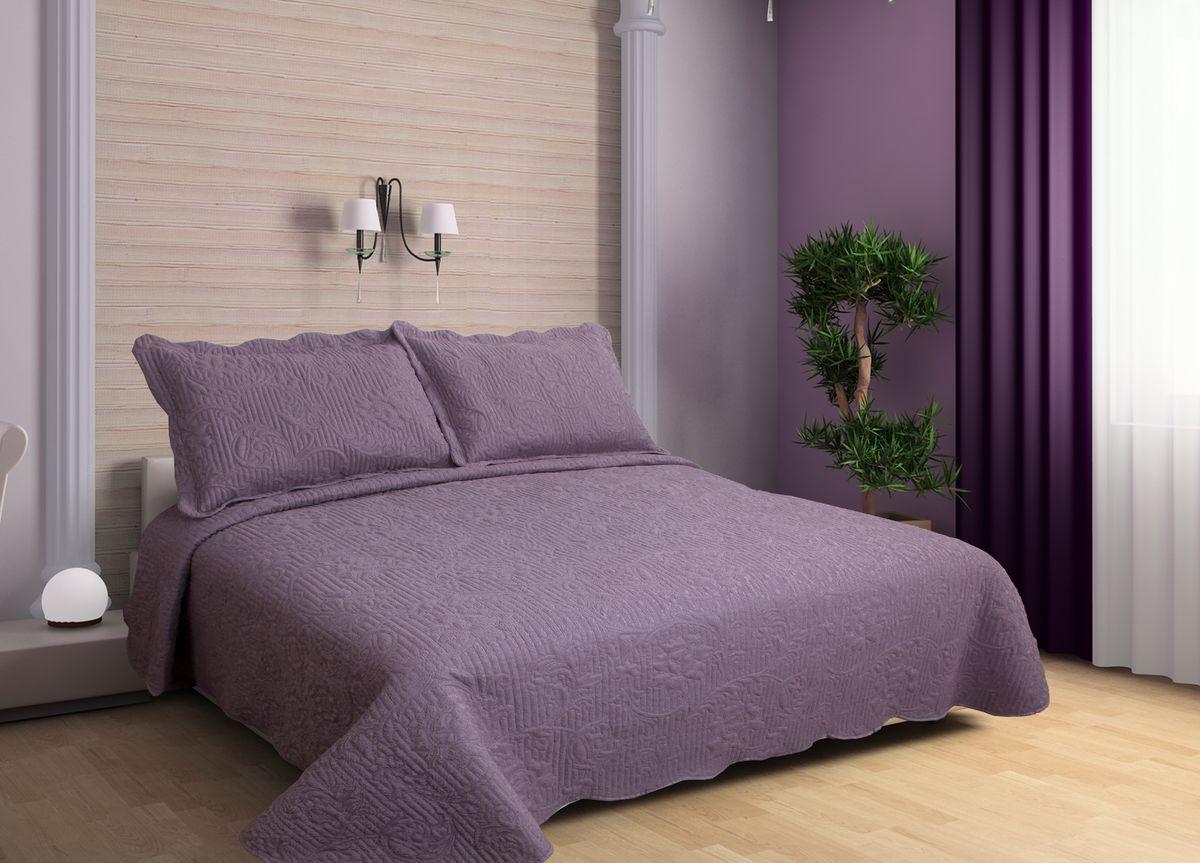 Комплект для спальни Buenas Noches Verona: покрывало 230 х 250 см, 2 наволочки 50 х 70 см, цвет: фиолетовый71751Комплект для спальни Buenas Noches состоит из покрывала и двух наволочек с воланами, выполненных из полиэстера. Это мягкая, прочная, износоустойчивая ткань, легко стирается и чистится. Именно поэтому она очень часто используется для домашнего текстиля. Полиэстер экологичен, гипоаллергенен, безопасен для детей и людей с аллергическими заболеваниями. Покрывала Buenos Noches - идеальное решение для вашего интерьера! Станьте дизайнером и создайте свой стиль! Buenos Noches - Элегантно, Стильно, Качественно! В ассортименте вы найдете постельное белье, пледы и покрывала. Вся продукция выполнена из тканей высшего качества с использованием стойких и безвредных красителей. В комплект входит: - Покрывало - 1 шт. Размер: 230 см х 250 см. - Наволочка - 2 шт. Размер: 50 см х 70 см.