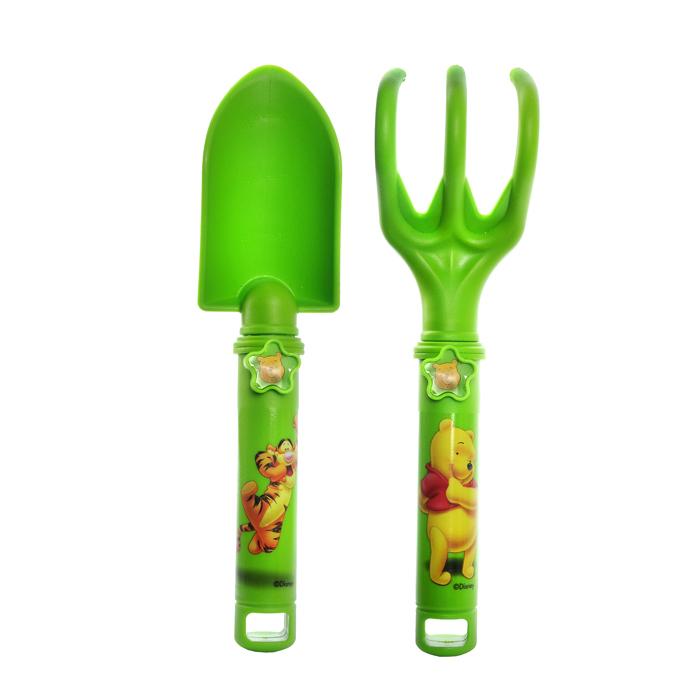 Набор садовых инструментов Disney Винни и его друзья, цвет: зеленый, 2 предмета64751Набор инструментов Disney Винни и его друзья изготовленный из полипропилена, предназначен для работ в саду, огороде. В набор входит удобная лопатка, с отметками глубины погружения (2,5 см - 7 см) и разрыхлитель. Инструменты выполнены в ярком, забавном дизайне.Оригинальный набор обязательно понравится вашему маленькому помощнику.Размер рабочей части лопатки: 5,5 см х 10 см. Размер рабочей части разрыхлителя: 6 см х 7 см. Длина инструментов: 23,5 см.
