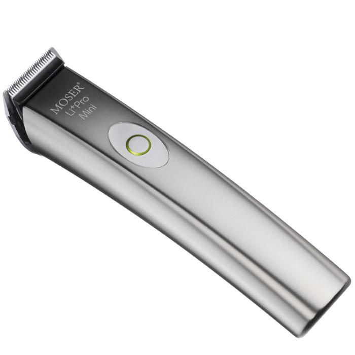 Moser LiPro Mini машинка для стрижки (1584-0050)1584-0050Профессиональная аккумуляторно-сетевая окантовочная машинка Moser LiPro Mini. Лёгкая и тихая, машинка оснащена профессиональным ножевым блоком нового поколения с высотой среза 0,4 мм.Нож легко снимается для чистки и смазки режущих элементов, а также для быстрой замены на нож Carving для точных линий и Designer для стрижек-татуировок (в комплект не входят). Управляемый микроконтроллером роторный мотор обеспечивает стабильность работы прибора, независимо от степени зарядки аккумулятора или структуры волос. Индикатор зарядки аккумулятора своевременно укажет Вам на необходимость подключения машинки к сети.