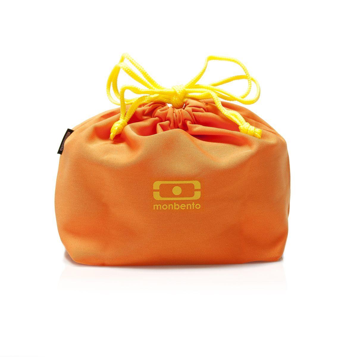 Мешочек для ланч-бокса Monbento Pochette, цвет: оранжевый1002 02 111Мешочек для ланча Monbento Pochette создан специально для переноски ланч-бокса Monbento. Но это условия не обязательное, он подойдет и для других моделей, главное, положить туда вкусную и полезную пищу и отправиться с ней на работу, в парк или в поход. Мешочек защитит ланчбокс от царапин и внешних повреждений. И наоборот: если вдруг вы неплотно закроете крышку, и что-то прольется, то вещи в сумке пострадают гораздо меньше, а мешочек впитает в себя лишнюю влагу.Удобно носить в руках. Легко стирать (разрешена стирка в стиральной машине).
