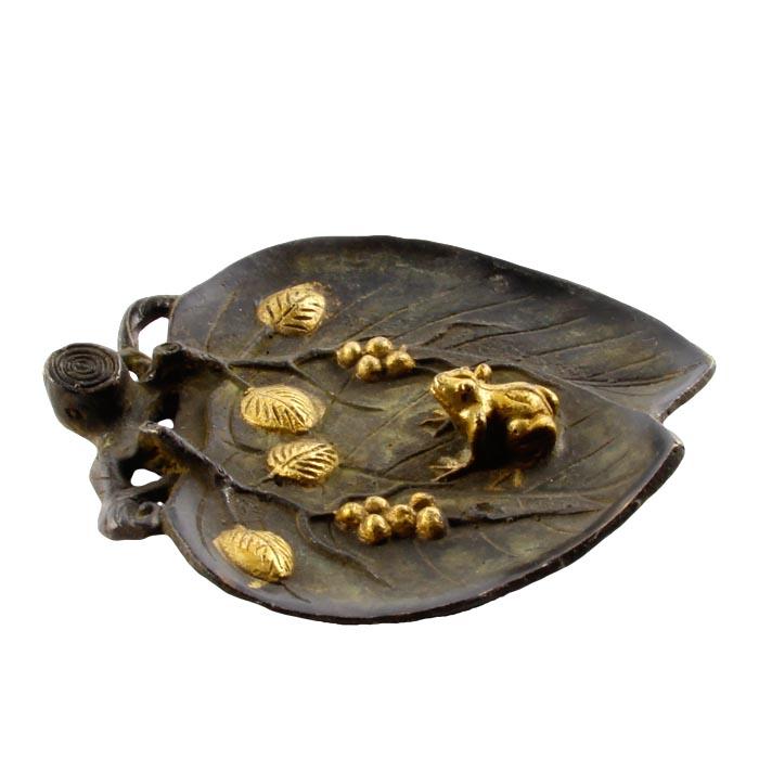 Пепельница Лягушка на листе в восточном стиле. Бронза, прочеканка. Китай, вторая половина XX века купить больное платье в стиле 18 19 века наташа ростова