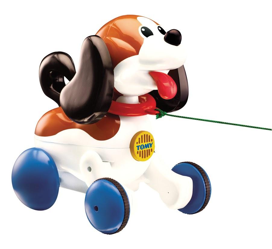 Tomy Развивающая игрушка Веселый щенок на прогулке tomy farm приключения трактора джонни и поросенка на ферме