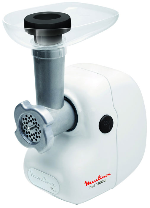 Moulinex ME208139 белыйME208139 белыйОсобенности моделиMoulinex ME208139 – простая в управлении и мощная мясорубка. Особенностью данной модели является большая мощность, производительность, а также эргономичный и продуманный корпус. Имея производительность больше 1,7 кг/мин, мясорубка способна перемолоть мясо любой плотности, а благодаря наличию двух решеток с разным диаметром, фарш на выходе будет нужного размера и высокого качества. Также, стоит упомянуть и высокое качество сборки – корпус устройства выполнен из качественных материалов, которые легко вытираются после использования и не подвержены износу, имеет хорошую эргономику и удобные элементы управления. Сферы примененияЕсли вам требуется мощное и удобное решение для кухни, то Moulinex ME208139 отлично для этого подойдет. Хорошая эргономика, высокая надежность, а также качественные материалы корпуса сделают из Moulinex ME208139 отличного помощника любому повару.
