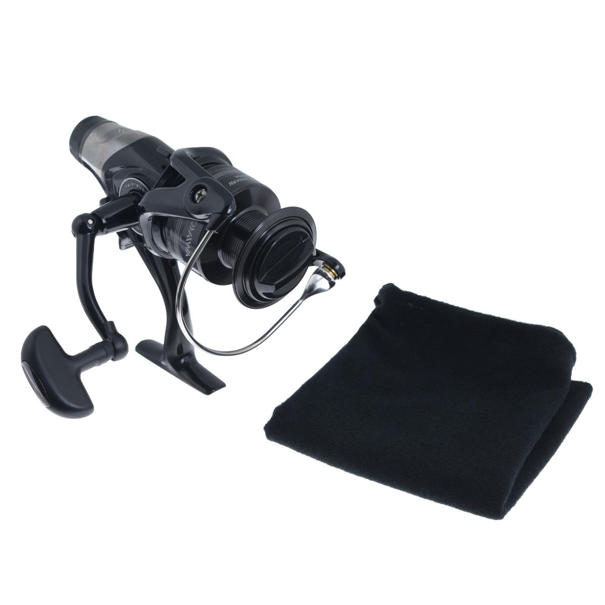 Катушка безынерционная Daiwa Black Widow BR 4000A, цвет: черный41643Серия BLACK WIDOW теперь представлена не только в серии популярных удилищ, но и в новой линии катушек с бейтранером. Точная регулировка механизма бейтранера позволяет значительно расширить сферу использования катушек. Вы можете с успехом ловить как карпа, так и угря и судака. Катушка Daiwa Black Widow BR 4000A создана по высоким японским производственным стандартам и отличается великолепным соотношением цены и качества. Механизм BitenRun.TWIST BUSTER - противозакручиватель лески с покрытием твердым хромом и нитридом титана, защищенныйбамперным элементом.AIR BAIL - трубчатая (полая), но супер прочная и легкая дужка особой конструкции, которая предотвращает закручивание лески.INFINITE ANTI-REVERSE - система мгновенного стопора обратного хода ротора. В основе лежит роликовыйподшипник, предотвращающий обратное вращение (блокировка по принципу обгонной муфты).Вес катушки: 459 г.Емкость шпули: 0,3 мм - 270 м, 0,32 мм - 240 м, 0,35 мм - 200 м.Намотка за оборот ручки: 79 см.
