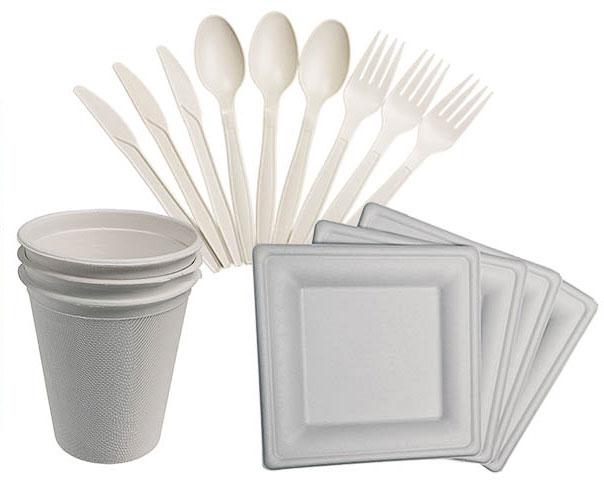 """Набор для пикника """"Boyscout предназначен для холодных и горячих пищевых продуктов. Предметы биоразлагаемые, с ними вы не загрязните окружающую природу.  Стаканы и тарелки изготовлены из сахарного тростника; ложки, вилки, ножи - кукурузный крахмал 90% и пластик 10%.  В комплекте: 6 тарелок, 6 стаканов, 6 ложек, 6 вилок, 6 ножей. Размер тарелки: 20 см х 20 см х 1,5 см. Средняя длина столовых предметов: 17 см. Размер стакана: 9 см х 8 см х 8 см."""
