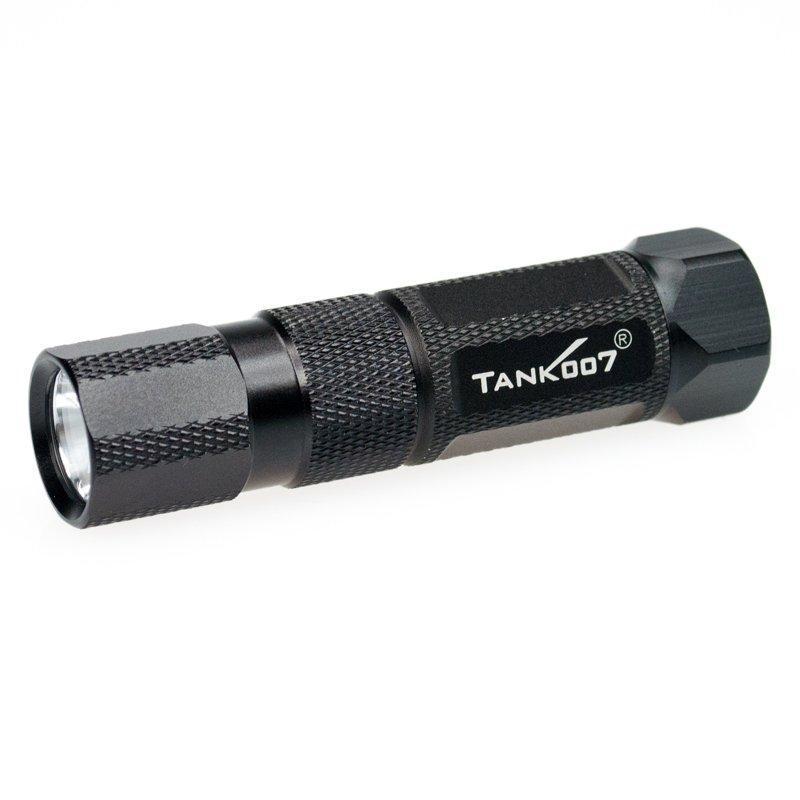 Светодиодный фонарь TANK007 M20-5 с комплектациейM20-5Высококачественный карманный светодиодный фонарь, с магнитом. Фонарь выполнен из авиационного алюминия с III (наивысшей) степенью защитного анодирования корпуса. Водонепроницаемый — стандарт IPX6. Фонарь снабжен современным светодиодом CREE XR-E Q4 (США). Встроенный стабилизатор напряжения. Мощность светового потока до 160 люмен, дальность эффективного излучения света до 120 метров.анодированный алюминий