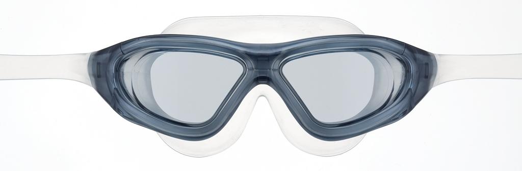 Очки для плавания View Xtreme, цвет: дымчатыйLMENTOR2Маска для плавания View Xtreme имеет низкопрофильный гидродинамический дизайн, обеспечивающий максимальный комфорт и великолепный обзор во время плавания или занятий водными видами спорта в любых условиях. Модель Xtreme имеет уменьшенную конструкцию рамки и революционную быстро регулируемую систему пряжек (заявка на патент), что значительно уменьшает сопротивление воды, по сравнению с аналогичными моделями. Высококачественные скругленные края силиконового обтюратора маски гарантируют абсолютную водонепроницаемость и максимальный комфорт во время тренировок. Маска для плавания View Xtreme обеспечивает 100% защиту от ультрафиолетового излучения (UVA/UVB) и широкий угол обзора - 180 градусов.  Характеристики:Цвет: дымчатый. Материал: силикон, поликарбонат, полиуретан. Размер наглазников: 13 см х 6 см. Длина оправы: 17 см. Изготовитель: Япония. Артикул: TS V-1000 SK.