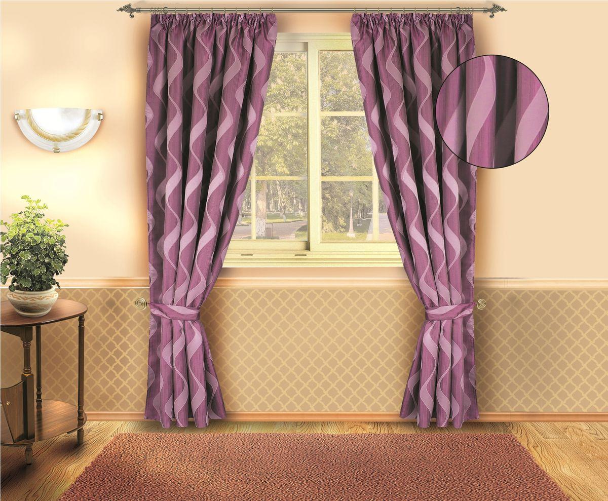 """Роскошный комплект штор """"Zlata Korunka"""", выполненный из полиэстера, великолепно украсит любое окно. Комплект состоит из двух штор и двух подхватов. Изящный рисунок и приятная цветовая гамма привлекут к себе внимание и органично впишутся в интерьер помещения. Этот комплект будет долгое время радовать вас и вашу семью.Комплект крепится на карниз при помощи ленты, которая поможет красиво и равномерно задрапировать верх."""